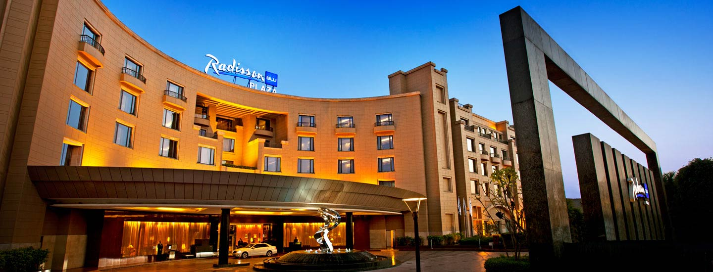 7 Best Luxury Hotels In Delhi (India) / Radisson Blu Plaza