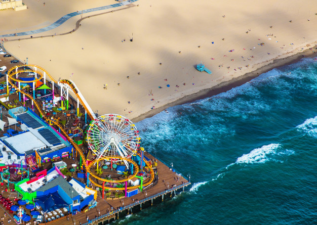 10 Reasons Why You Should Visit Santa Monica This Holiday Season / Santa Monica Pier
