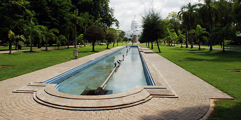 14 Best Things To Do In Colombo | Viharamahadevi Park