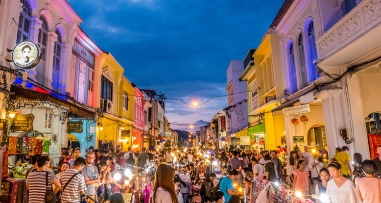 16 Best Things To Do In Phuket, Thailand / Phuket Night Market