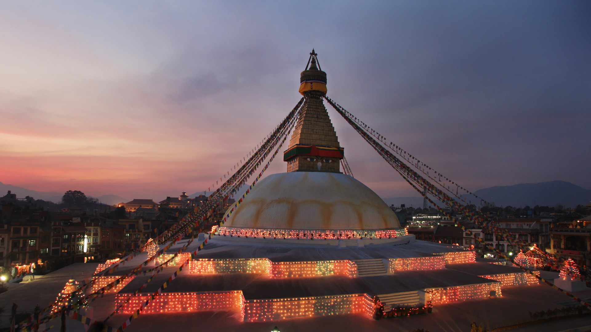 13 Best Places To Visit In Nepal / Boudhanath Temple