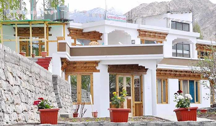TSG's 13 Best Cheap Budget Hotels In Leh-Ladakh / Glacier View Guest House
