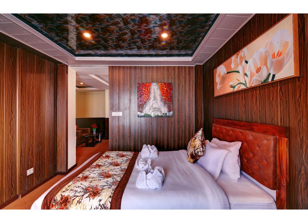 Hotel White Yak