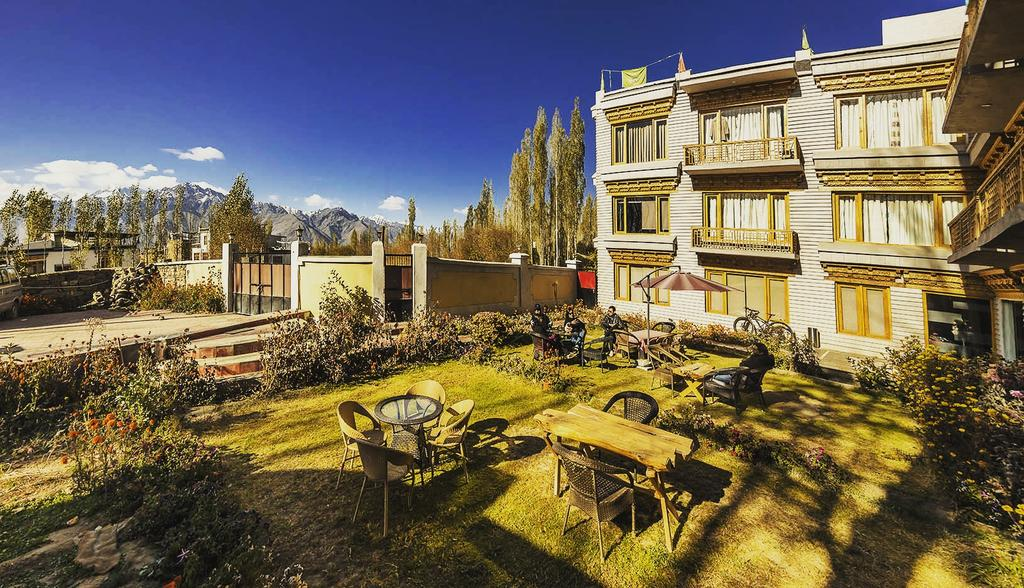 TSG's 13 Best Cheap Budget Hotels In Leh-Ladakh / Hotel Yarab TSO