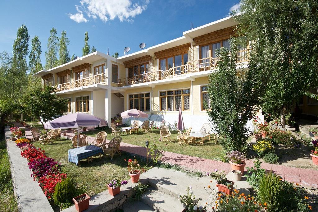 TSG's 13 Best Cheap Budget Hotels In Leh-Ladakh / Sangto Villa Hotel