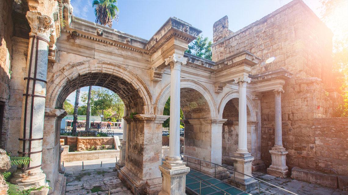 11 Best Things To Do In Antalya, Turkey / Hadrian's Gate