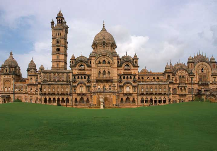 11 Best Places To Visit In Gujarat / Laxmi Vilas Palace
