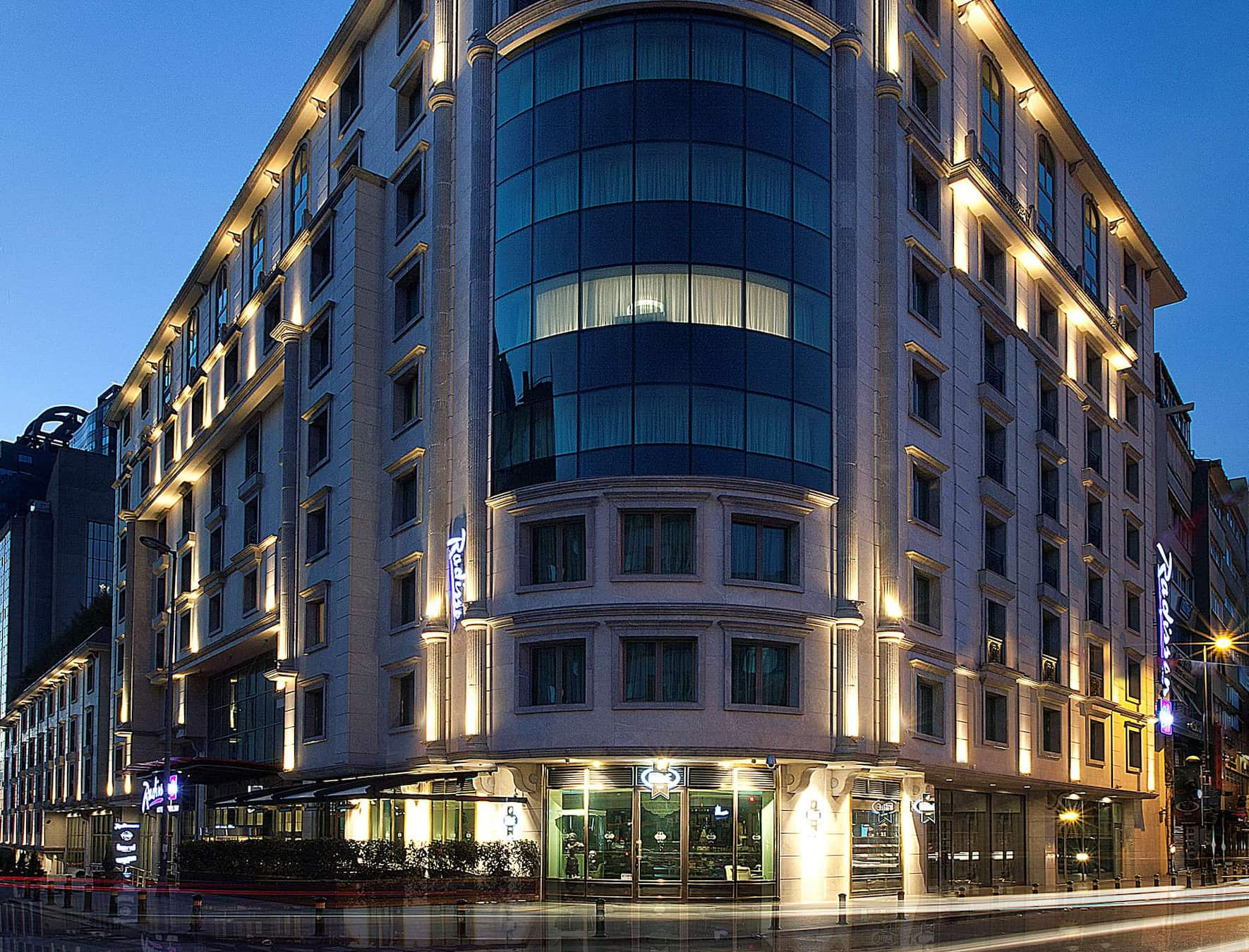 Where To Stay In Istanbul: TSG's 11 Best Hotels In Istanbul / Radisson Blu Hotel Istanbul