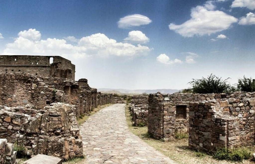 Most Haunted Fort - Bhangarh Fort