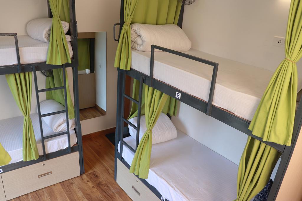 Best Hostels In Rishikesh / Blue Jay Hostel