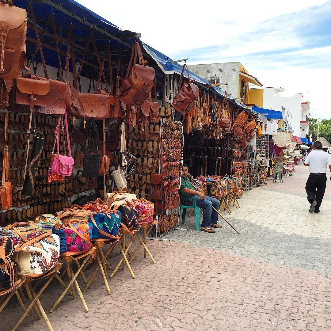 Best Things To Do In Cancun / Downtown Cancun Shopping