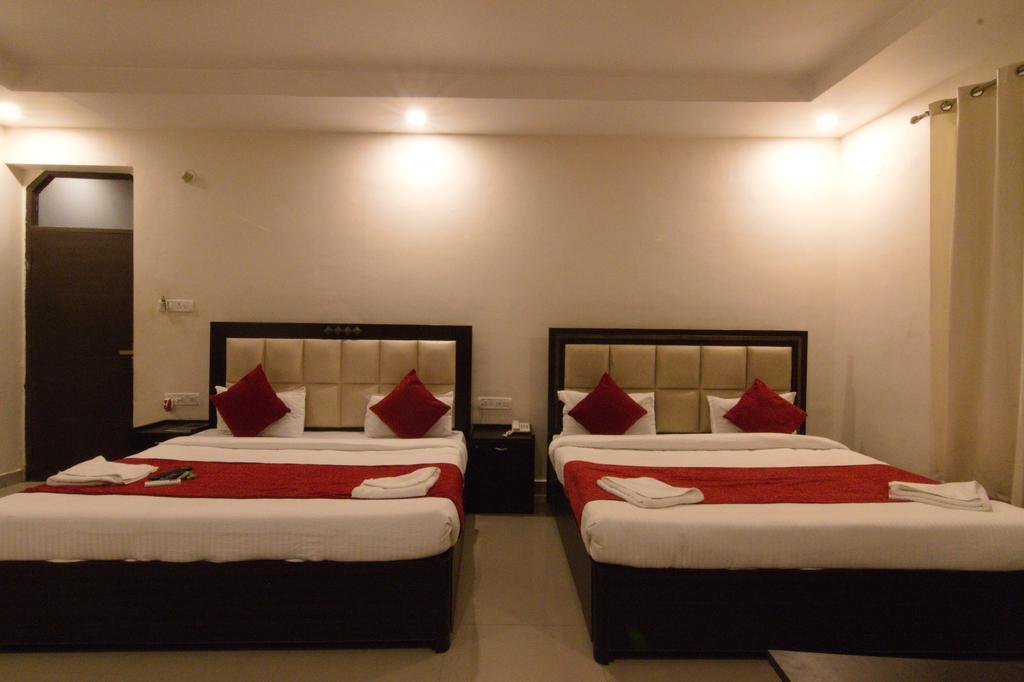 Best Hostels In Rishikesh / Hashtag Hostel