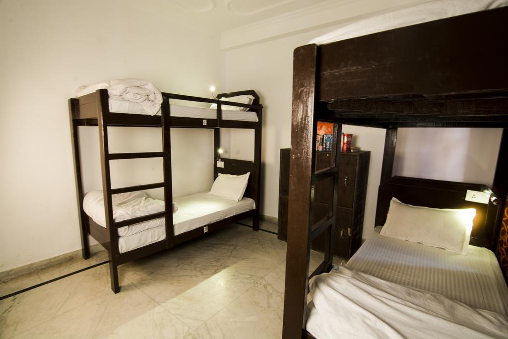 Best Hostels In Rishikesh / Live Free Hostel Rishikesh