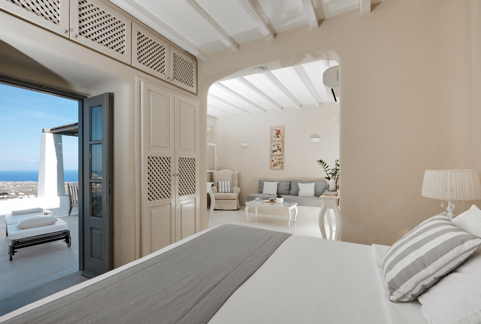 Carpe Diem - Best Hotels In Santorini