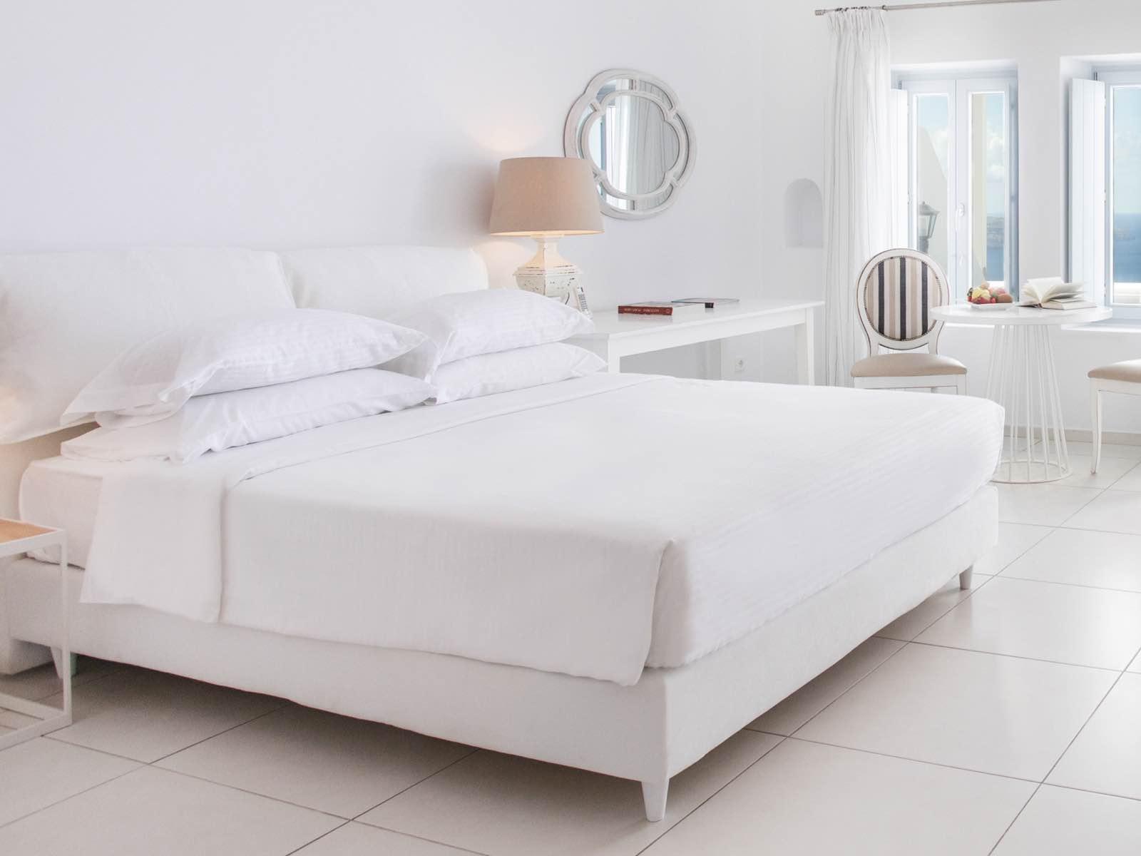 Lilium Hotel Santorini - Best Hotels In Santorini