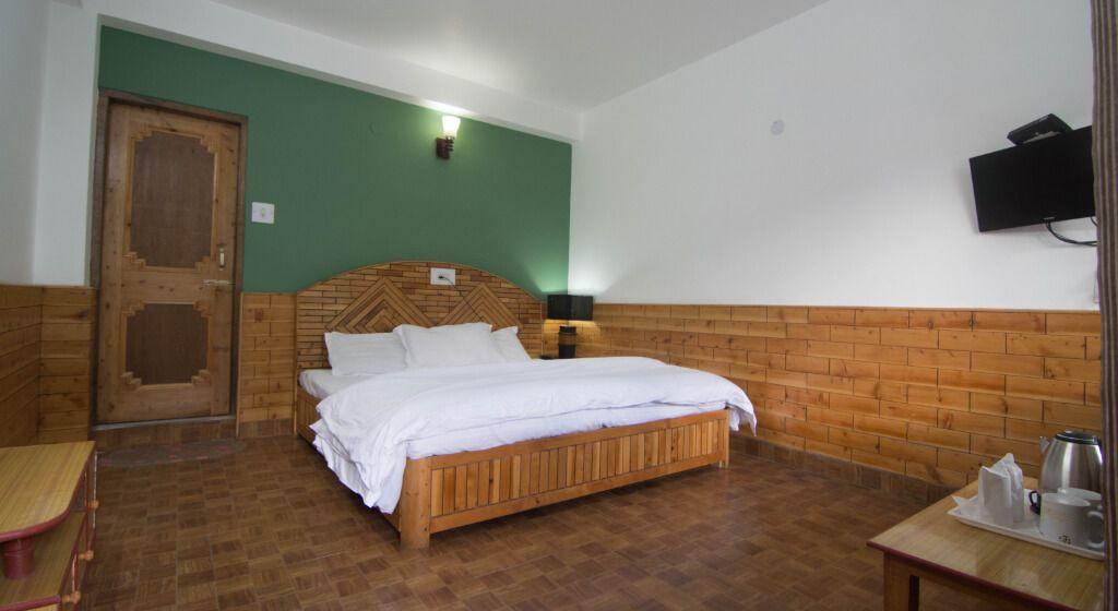 Backpacker Panda Hostel / One Of The Best Hostels In Manali