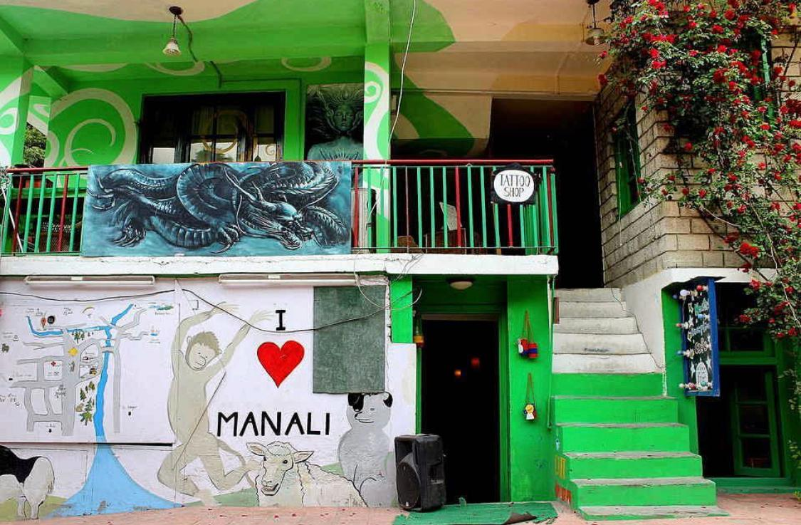 Born Free Hostel / One Of The Best Hostels In Manali
