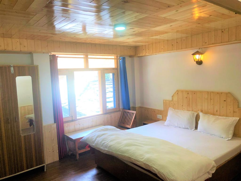 Folklore Hostel / One Of The Best Hostels In Manali