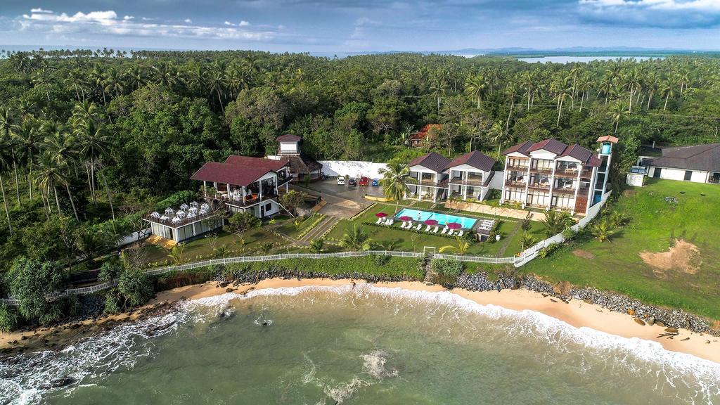 Samudra Beach Resort / Best Luxury Hotels In Sri Lanka