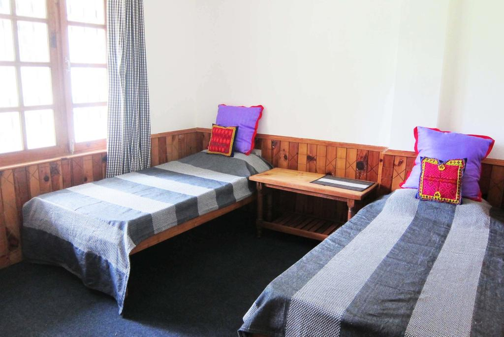 The Dog On The Hill / One Of The Best Hostels In Manali