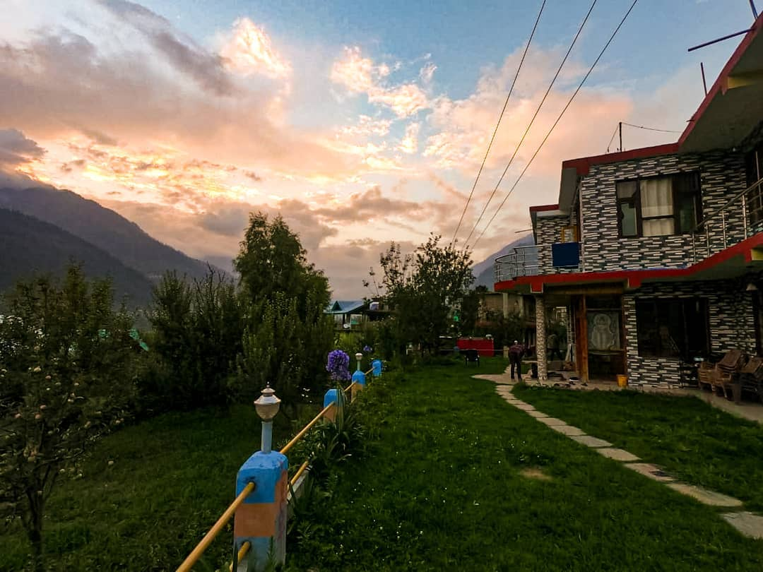 The Lost Tribe Hostel / One Of The Best Hostels In Manali