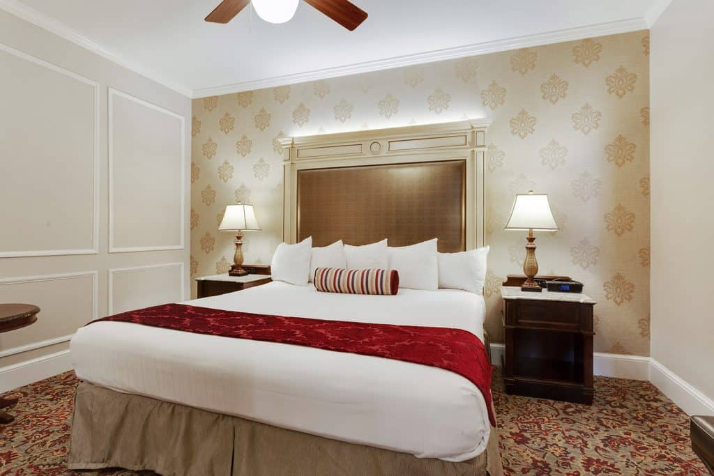 Best Hotels In French Quarter / Prince Conti Hotel