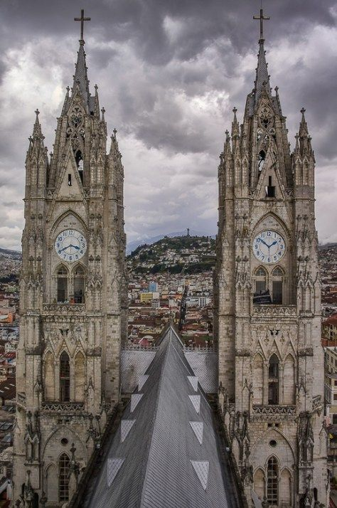 Basilica del Voto Nacional / Best Things To Do In Quito