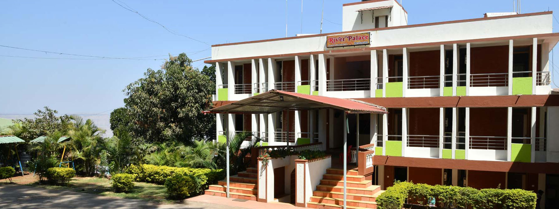 The River Palace / Best Hotels In Mahabaleshwar