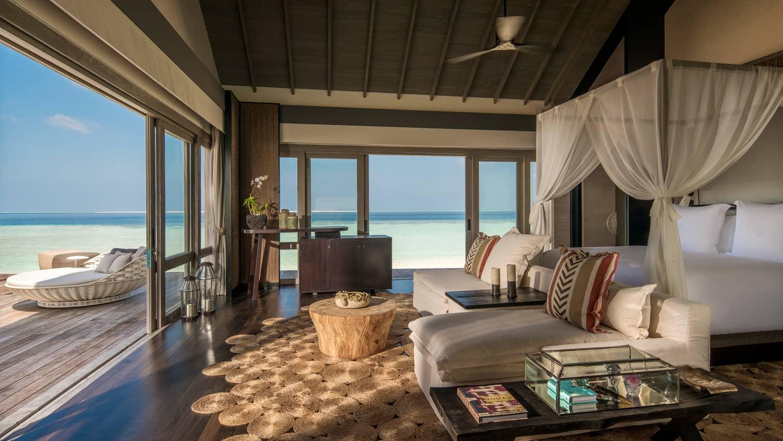 Four Seasons Maldives At Voavah / Luxury Resorts In Maldives