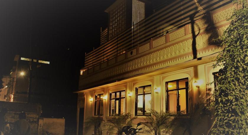 Backpackers Villa / Best Hostels In Jaipur