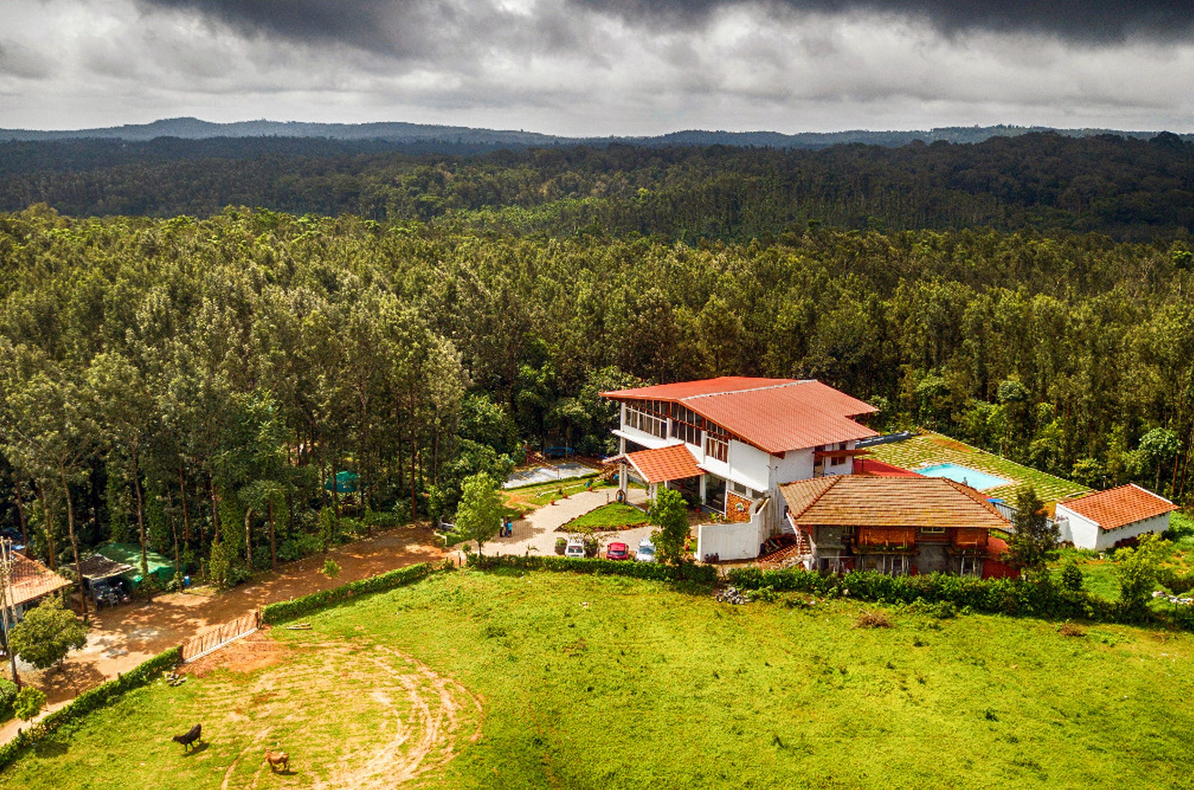 Coffee Grove Resort / Best Hotels In Chikmagalur