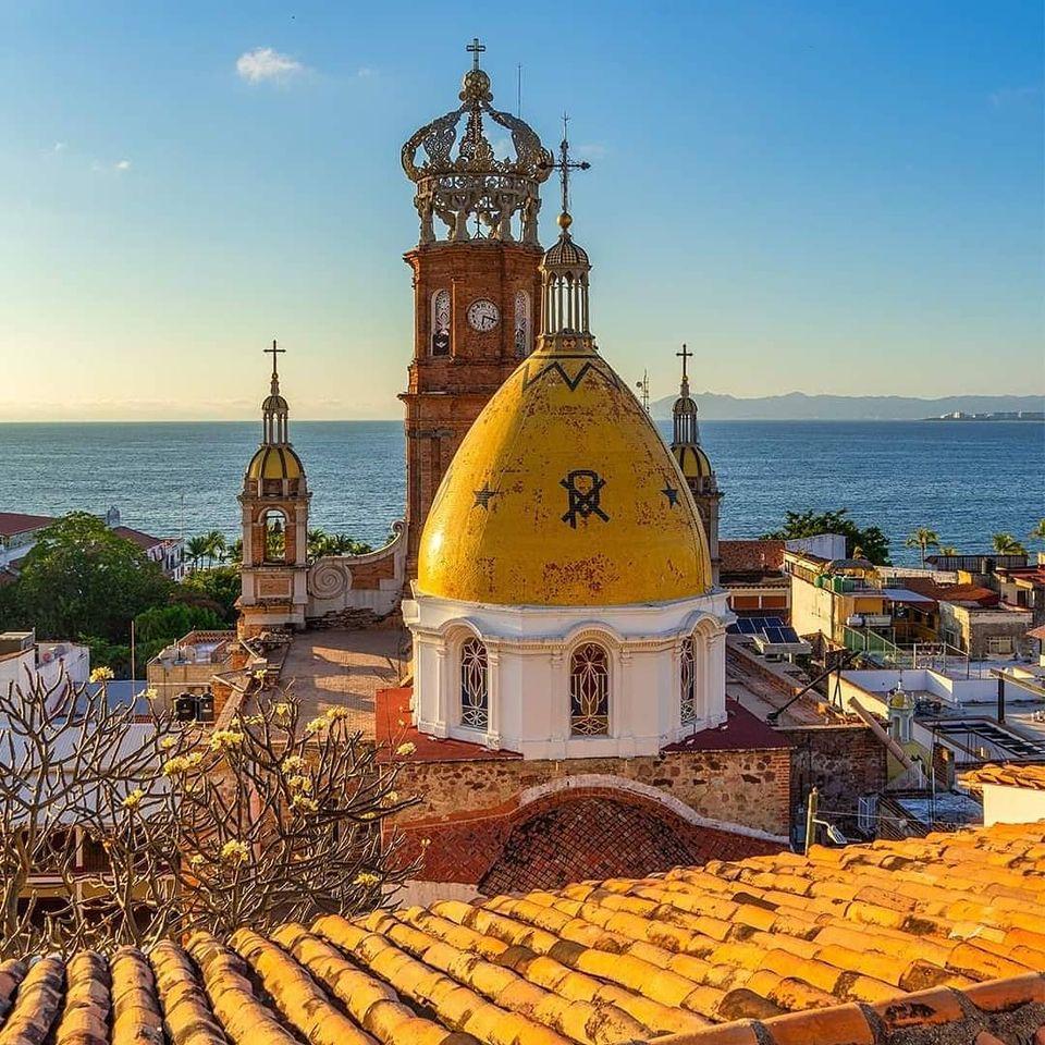 Los Muertos Beach / Things To Do In Puerto Vallarta