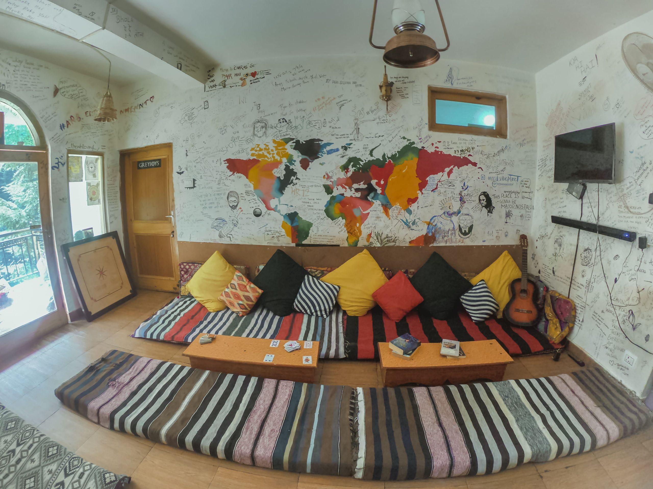 Nomads Hostel / Best Hostels In Kasol